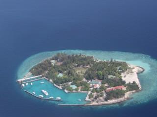 Yaşam olan adalardan bir tanesi...